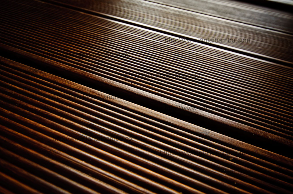 Strand-Woven-Outdoor-Decking